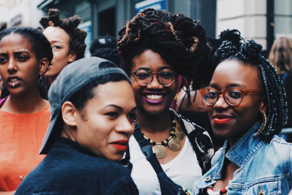 Semhar und ihre Freundinnen auf dem Afropunk-Festival in Paris © Shaheen Wacker