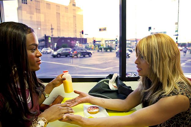 "Alexandra und Sin-Dee bei ""Donut Time"" © KOOL"