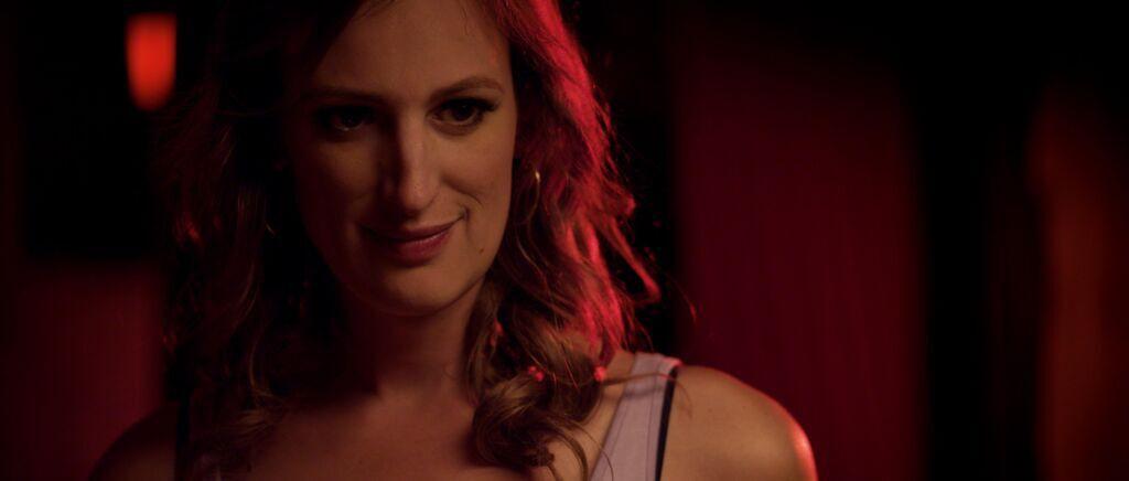 Die Protagonistin Violet ist neu in Los Angeles und sehr isoliert. © Videostill Her Story