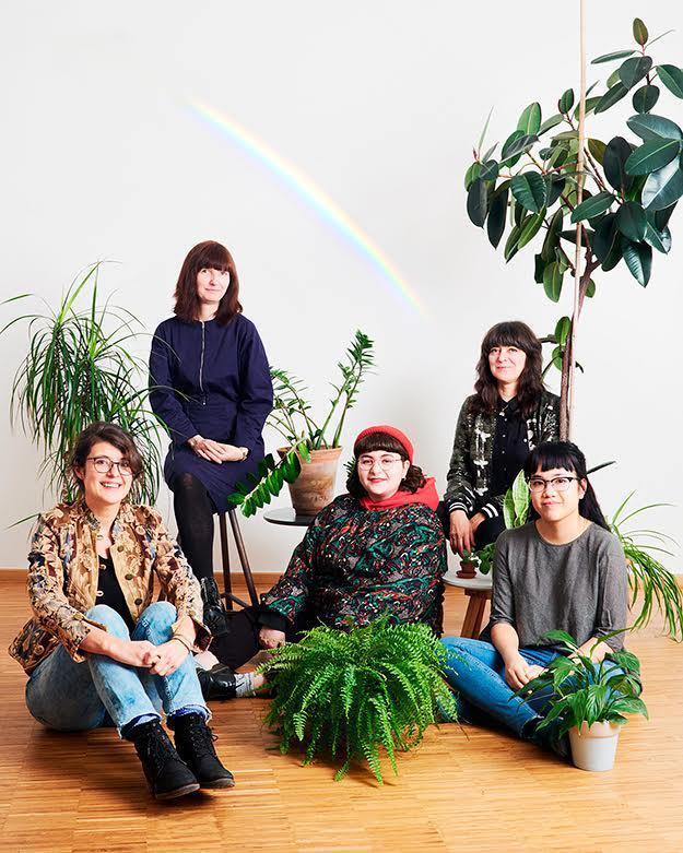 Eva Pyko, Sonja Eismann, Hengameh Yaghoobifarah, Daniela Burger, Jenny Pham. © Verena Brüning